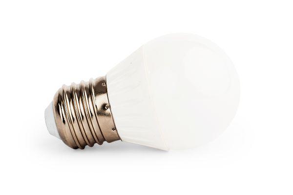 Stmívatelná LED žárovka E27 8W 720lm G45 teplá , ekvivalent 61W
