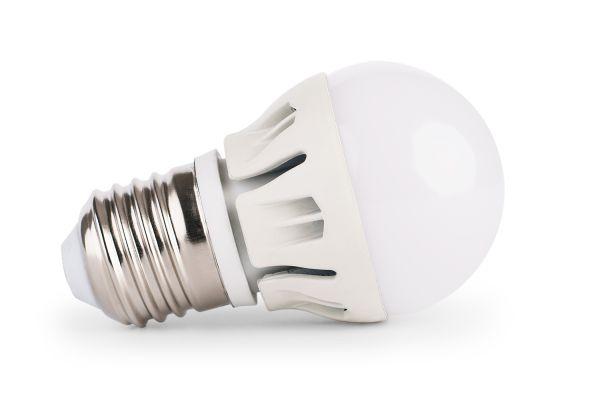 Stmívatelná LED žárovka E27 8W 720lm G45 teplá, ekvivalent 61W